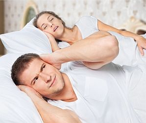 女性のいびきの原因~男性との違いは?